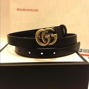 Gucci 0.8 inch black leather gold gg buckle belt
